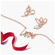 <b>Necklaces</b> & Pendants for <b>Women</b> | Tiffany & Co.