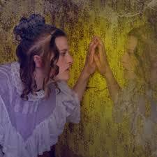 charlotte gilmans yellow wallpaper summary amp analysis  online  gilmans sensory descriptions