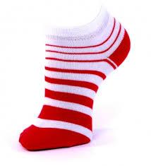Resultado de imagen de un pie de  niño con calcetín