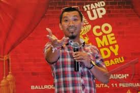 Dasar membuat jokes ala Stand Up Comedy