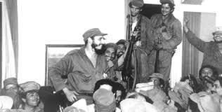 Fidel con combatientes después de toma de Palma Soriano