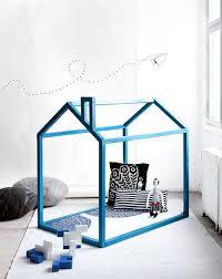 DIY INDOOR DOGHOUSE   Pawsh Magazine  amp  StudioDIY dog house