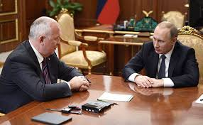 <b>Владимир</b> Путин присвоил Сергею Чемезову звание Героя России