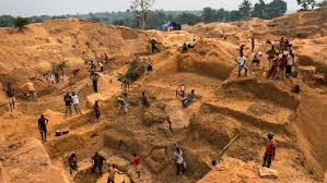 blood diamonds photograph by lynsey addario for timecongolese miners working one of the thousands of artisanal mines that cover the country