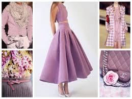 С чем сочетается <b>лиловый</b> цвет в одежде - фото комплектов