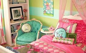 colors small rooms cute