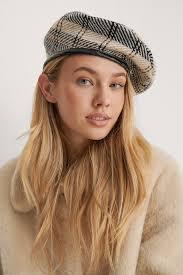 Hats   Discover on-trend <b>Beret</b> & Vega Hats   na-kd.com