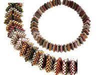 <b>Geometric necklace</b> için 14 fikir | kolyeler, takı, boncuk