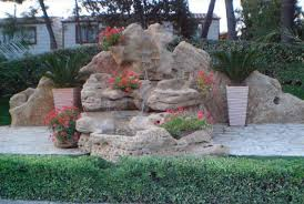 Fontana Cascata Da Giardino : Cascate in pietra naturale realizzate a mano da artigiani