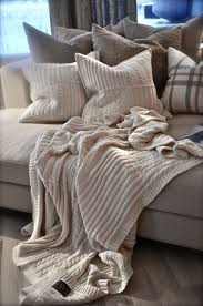 Домашний уют: вязаные <b>пледы</b> | Интерьер, Интерьеры спальни ...