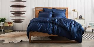 the startup behind these sheets wants to fix how guys treat their the queen size sateen venice sheet set in navy retails for 299 parachute