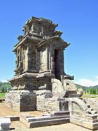 Hasil gambar untuk Candi arjuna wonosobo dieng