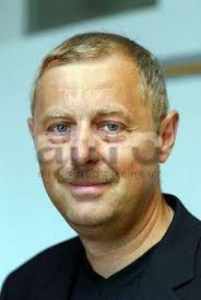 Stichworte: Portrait Porträt <b>Reinhard Weigl</b> geschäftsführender <b>...</b> - layout-0113402