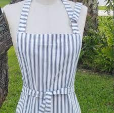 Two pockets <b>apron</b>/ <b>adjustable</b> neck straps <b>apron</b>/ <b>Unisex apron</b>