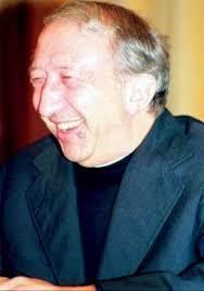 Luigi Giussani. Luigi Giovanni Giussani nasce il 15 ottobre del 1922 a Desio, un piccolo comune a nord della Brianza, in provincia di Milano. - Luigi_Giussani