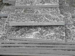 Zoccolo Esterno In Pietra : Eredi pelganta giorgio estrazione beola grigia direttamente dalla