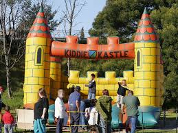 <b>Inflatable</b> castle - Wikipedia