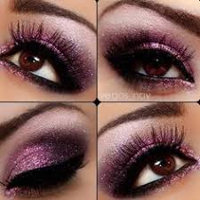<b>Glitter eye make up</b>