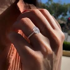 <b>Huitan</b> Oval Finger <b>Ring Band</b> Dazzling Brilliant CZ Stone Four ...