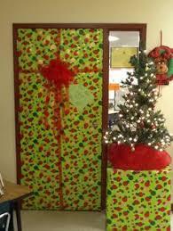 christmas door decorating contest holiday ideas