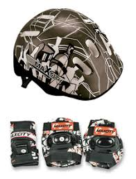<b>Набор</b> защиты с шлемом, налокотниками и наколенниками для ...