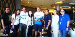 smart awardees for years of partnership manila ocean park from left to right joel leceta smart tmo supervisor joan san juan mop corporate s supervisor mark vitug smart employee welfare officer