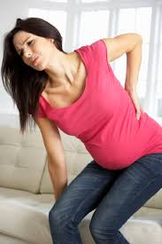 8 نصائح للحد من الام الظهر اثناء الحمل