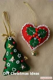 12 DIY <b>Christmas Decorations</b> with Nature: 1.Christma Santa Wreath ...