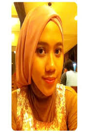 Nani Pratiwi ( 20 th ) Jawa Barat Comfortable Simple Fashionable Memadukan overall, dress songket dengan hijab yg fashionable tapi simple dengan ... - nanipratiwi17yahoocoid_1