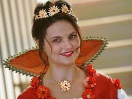 Die Langenwinkler Eventmanagerin <b>Nelli Schmidt</b> ist die Chrysanthemen-Königin <b>...</b> - 3968935