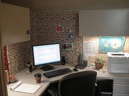 office cubicle decorating thrifty ways to make your cubicle cozy awesome cubicle decorations