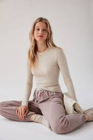 <b>Women's T Shirts</b>: Cropped & Oversized   Urban Outfitters