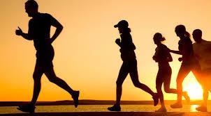 Resultado de imagem para foto de pessoas correndo