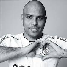 Ronaldo Fenômeno. Nome Completo:Ronaldo Luís Nazário de Lima; Apelidos:Fenômeno; Nascimento:22/09/1976; Gols marcados:35; Conquistas pelo Corinthians: - ronaldo_fenomeno