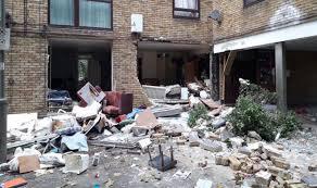Tooting explosion: 'Huge' blast in South London - emergency ...