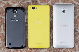 Compact smartphone shootout: Sony Xperia Z1 Compact vs HTC ...