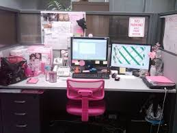 awesome decorate office 3 modern office desk decorating ideas with desk decorating ideas workspace cute cubicle attractive manly office decor 4 office cubicle