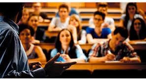 Factors to Consider When Choosing a College Factors to Consider When Choosing a College or University