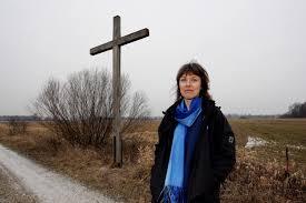 Der gesamte Flur ihrer Wohnung in Freising sei voll mit Aktenordnern rund um den Startbahn-Streit, sagt Christine Margraf. Seit Wochen bereitet sich die ... - die-umweltschuetzerin