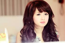Tư vấn chọn kiểu tóc phù hợp với khuôn mặt Images?q=tbn:ANd9GcTh3rJrQWxSiTmKr1FlWwAIQlHguHU4D3kIJbGgs-SN-n0-gNzV