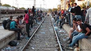 Αποτέλεσμα εικόνας για Μεταναστες στον σιδηροδρομικό σταθμο Ειδομενης