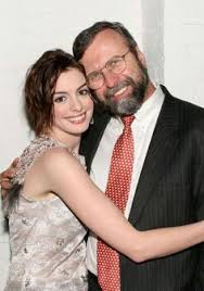 Anne Hathaway with Gerry Hathaway - Scott Wintrow/ Getty Images ...