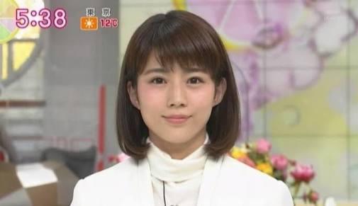 白シャツの田中萌
