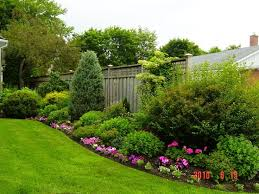 1000 ideas about large backyard landscaping on pinterest backyard landscape design backyard landscaping and front yard landscaping bedroommagnificent lush landscaping ideas