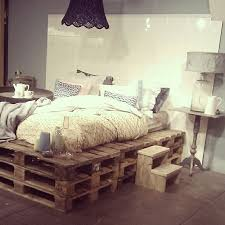 live edge furniture full bed 9 ways to create bed frames out of used pallet wood cafe lighting 16400 natural linen