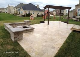 touch honed travertine patio french pattern walnut tumbled travertine pavers http wwwtravertinemart