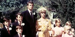Image result for Florence Henderson in the brady bunch as carol brady