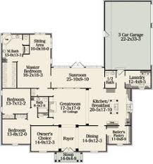 images about Houseplans on Pinterest   House plans  Square    Perfect except for missing one bedroom  Need a second floor or basement