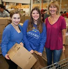 volunteer opportunities for families communities foundation of texas north texas food bank volunteering