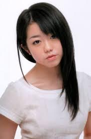 No último dia 17, conforme divulgado no site UOL Música, a cantora Minami Minegishi do AKB48 fez algo insano e bem idiota, raspou sua própria cabeça. - kinopoisk.ru-Minami-Minegishi-1248155